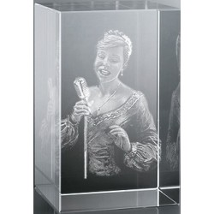 Bloc en verre gravure 3D Chanteuse