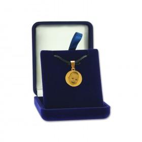 pendentif rond grave d'une photo presente dans boite cadeau