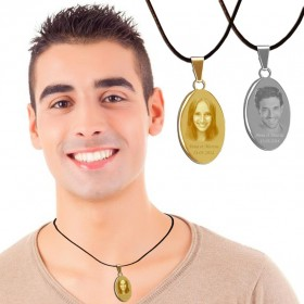 cadeau medaille ovale avec photo gravee