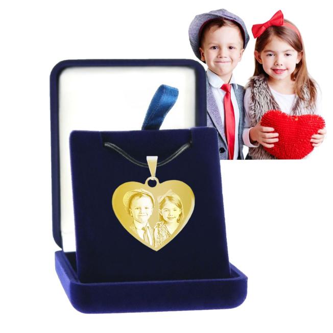 bijou photo en forme de coeur avec boite cadeau