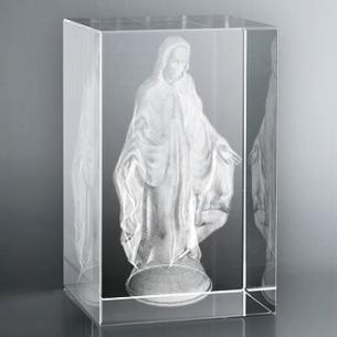 Bloc Vertical 3D Vierge Bras Ouverts