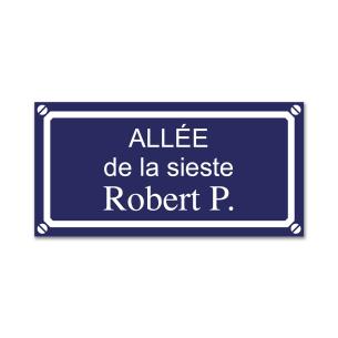 pancarte de rue bleue gravée