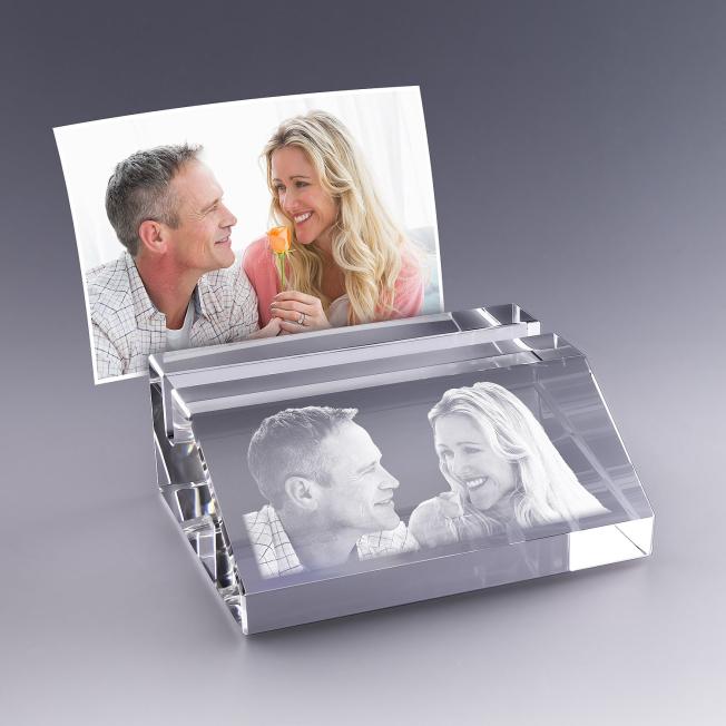 porte-carte en verre avec photo et texte grave
