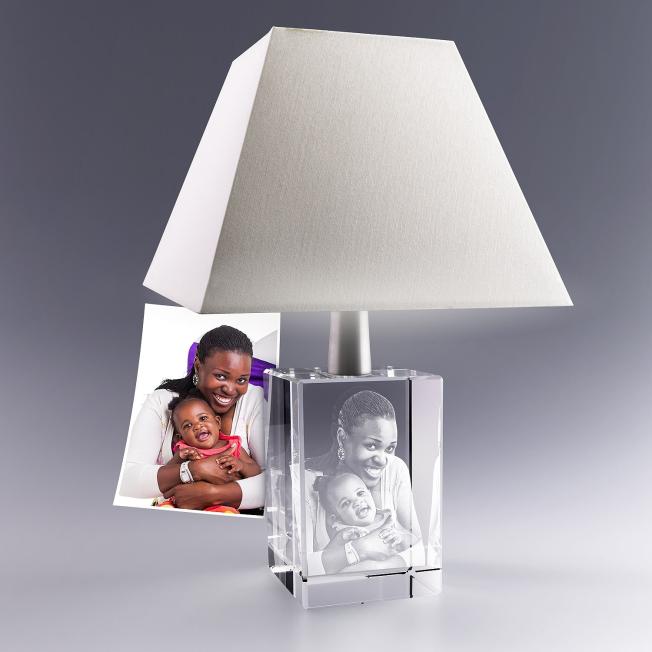 Lampe verre avec photo gravée en relief